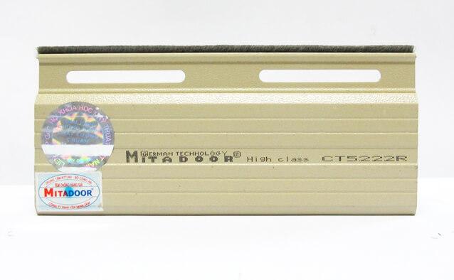 ct5222r-mitadoor-2