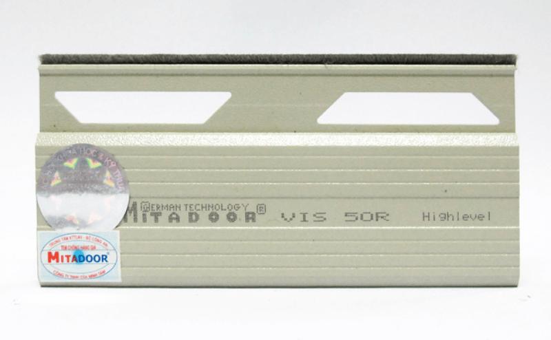 vis50r-mitadoor-2